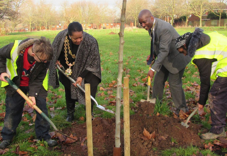 Lord Mayor plants first trees in BTfL 3 year project